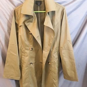 Traditional Trench Coat - size L